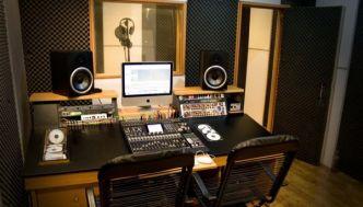 Sàn vinyl chống tĩnh điện cho phòng thu âm chuyên nghiệp