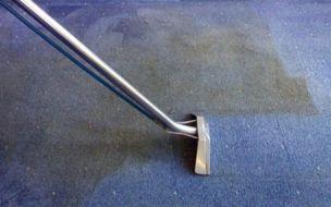 Cách xử lý nhanh thảm trải sàn bị ướt
