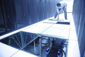 Sàn nâng kỹ thuật – lựa chọn tốt nhất cho phòng IT