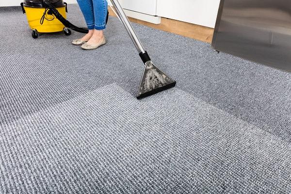 Hút bụi vệ sinh thảm